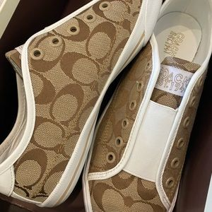 Coach Signature Tennis Shoe - Size 8.5 - NEW